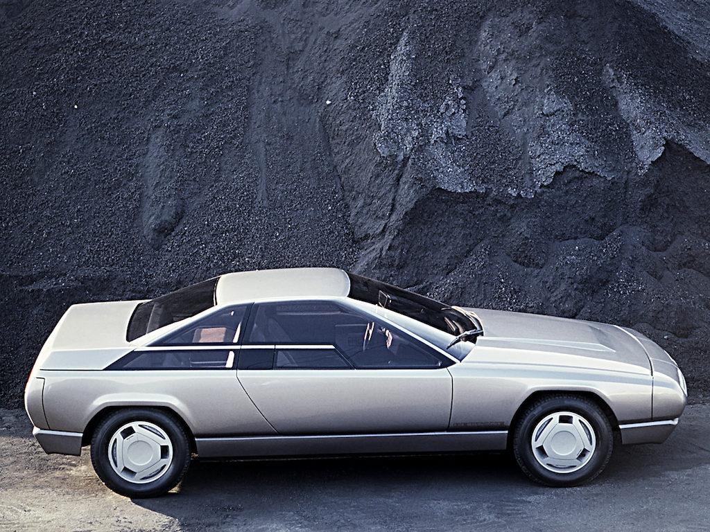 concept car Alfa Romeo delfino Bertone