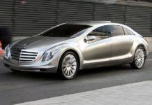 concept car Mercedes-Benz F700 su strada